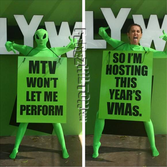 miley-vma__oPt